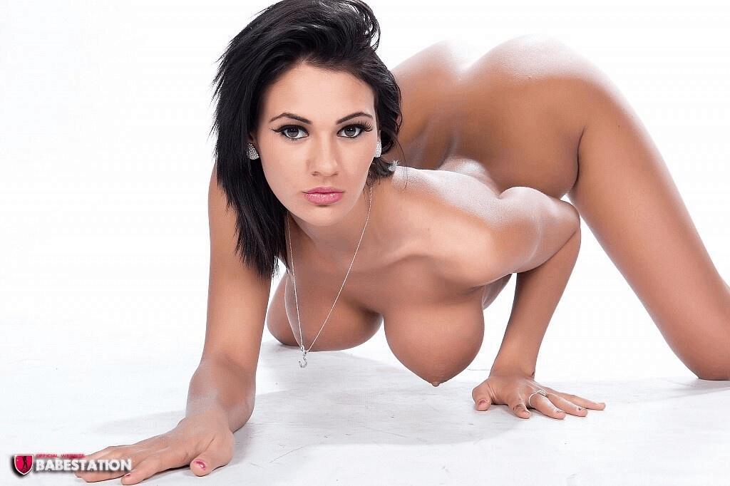 Naked big bottomed women